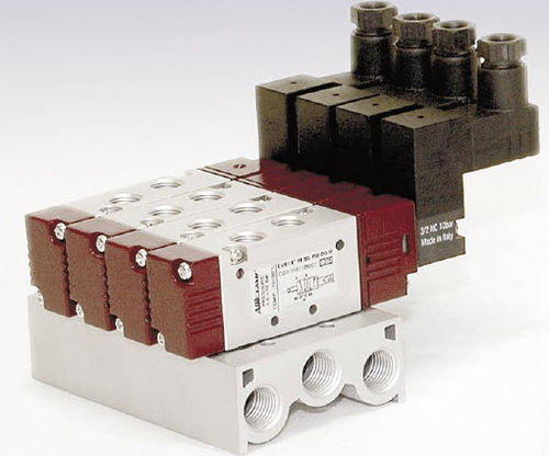 "5/2 way pneumatic solenoid valve 5/2 - 5/3 | 115 1/8"" Aircomp by Stampotecnica"