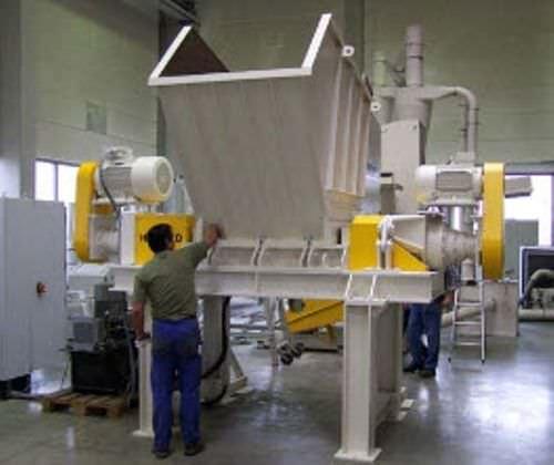Double-shaft shredder / wood / for medical waste / for PET bottles max. 1 030 x 1 550 mm | ZRM series NEUE HERBOLD Maschinen-u. Anlagenbau GmbH