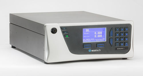 sulfur dioxide analyzer / trace / benchtop / continuous