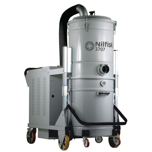 Wet and dry vacuum cleaner / three-phase / industrial / mobile 3707 series Nilfisk Industrial Vacuum Solutions