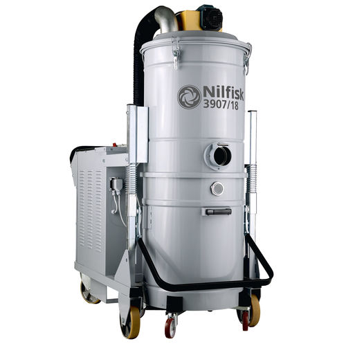 Wet and dry vacuum cleaner / hazardous dust / three-phase / industrial 3907/18 series Nilfisk Industrial Vacuum Solutions