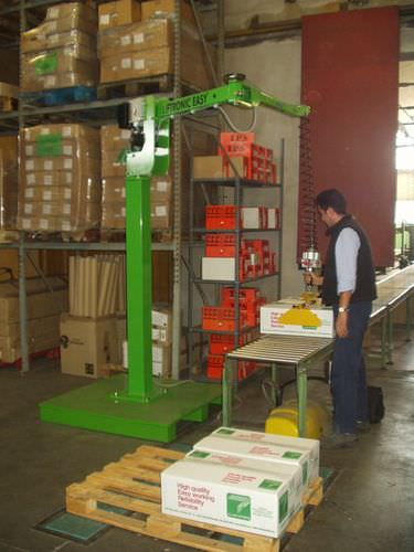 Manipulator with suction cup / crate / for cardboard boxes / for materials handling Liftronic Easy Scaglia Indeva