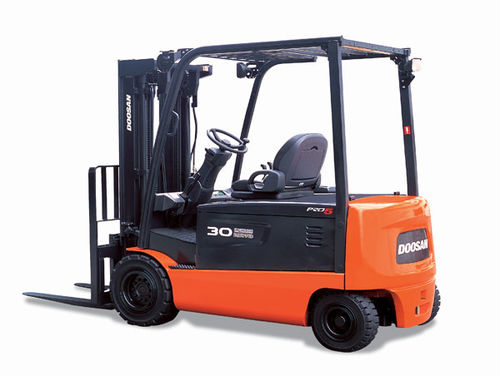 Ride-on forklift / electric / handling / 4-wheel 4 500 - 7 000 lb | BxxX-5 series Doosan Infracore America Corporation