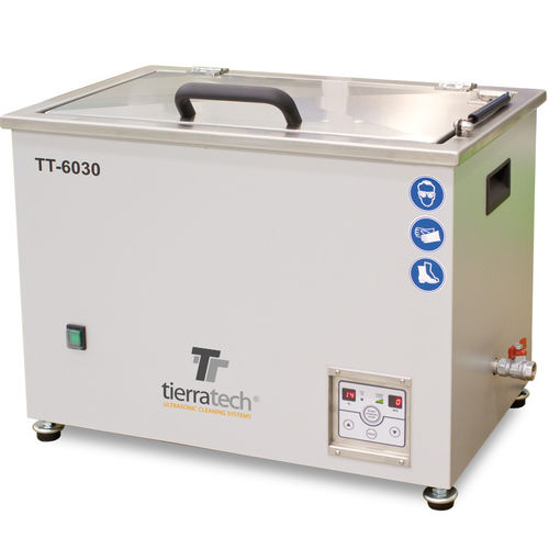 ultrasonic cleaning system / automated / for industrial applications / with basket