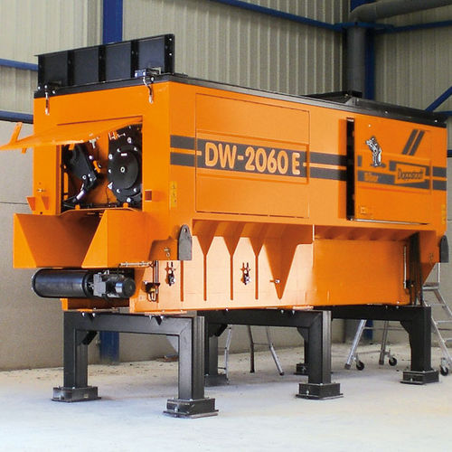 Single-shaft shredder / for wood / rubber / plastics DW 2060 E Doppstadt