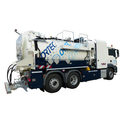 sewer cleaner truck / suction / transport / 3-axle