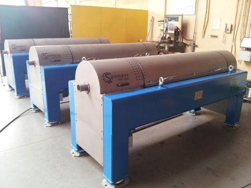 sludge dewatering decanter / centrifugal / horizontal