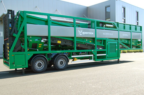 Mobile screening unit / for bulk materials / for biological waste treatment / 2-deck Multistar XXL2 Komptech