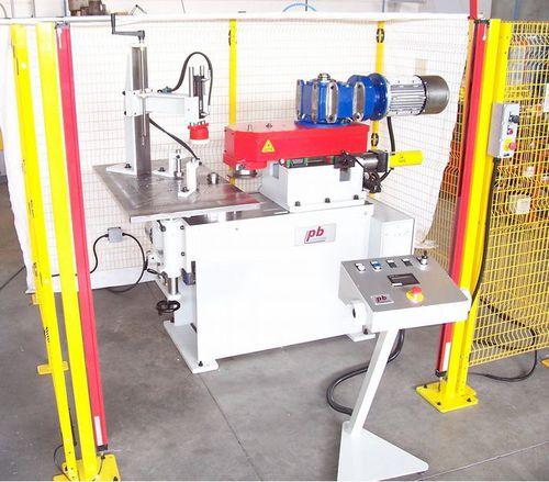 automatic edge-banding machine / for panels