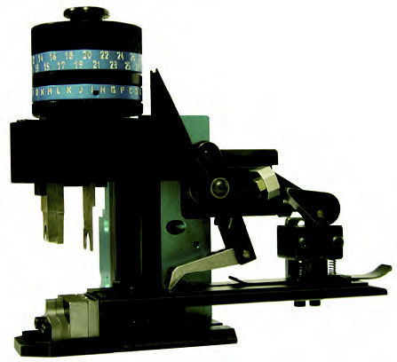 cable end sleeve crimping machine / automatic / pneumatic / side feed