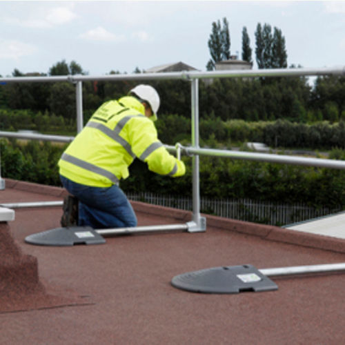 free-standing roof edge protection - KEE SAFETY