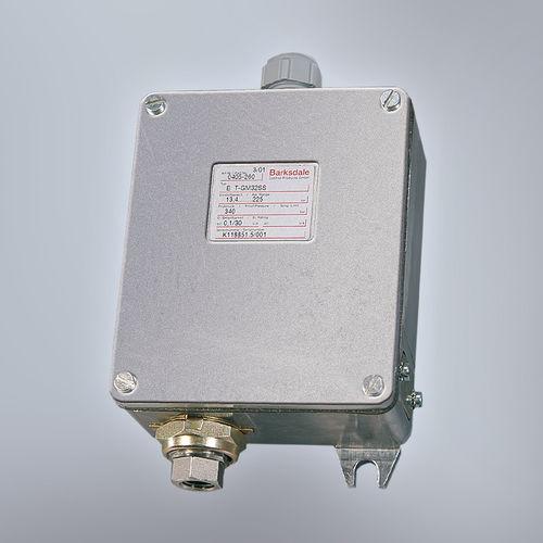 liquid pressure switch / mechanical / Bourdon tube / for hydraulic applications