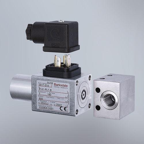 liquid pressure switch / diaphragm / compact