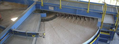 liquid fabric filter