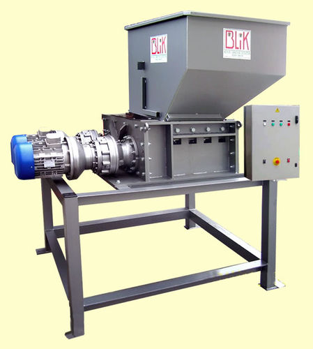 four-shaft shredder / tire / metal / for wood