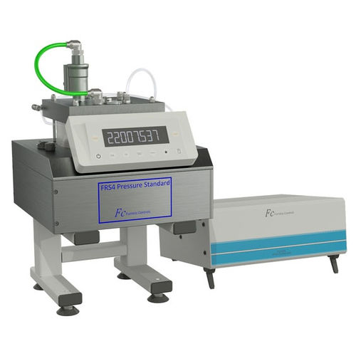 pressure calibrator / digital / precision / laboratory