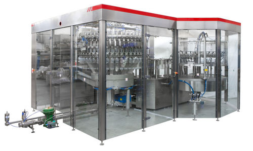 industrial filling machine / beverage / for plastic bottles / automatic