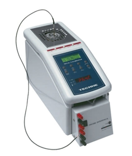 programmable temperature calibrator -50 - 650 °C | UPI Techne Calibration