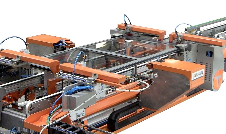 Automated framing machine for window sashes - TECAUMA
