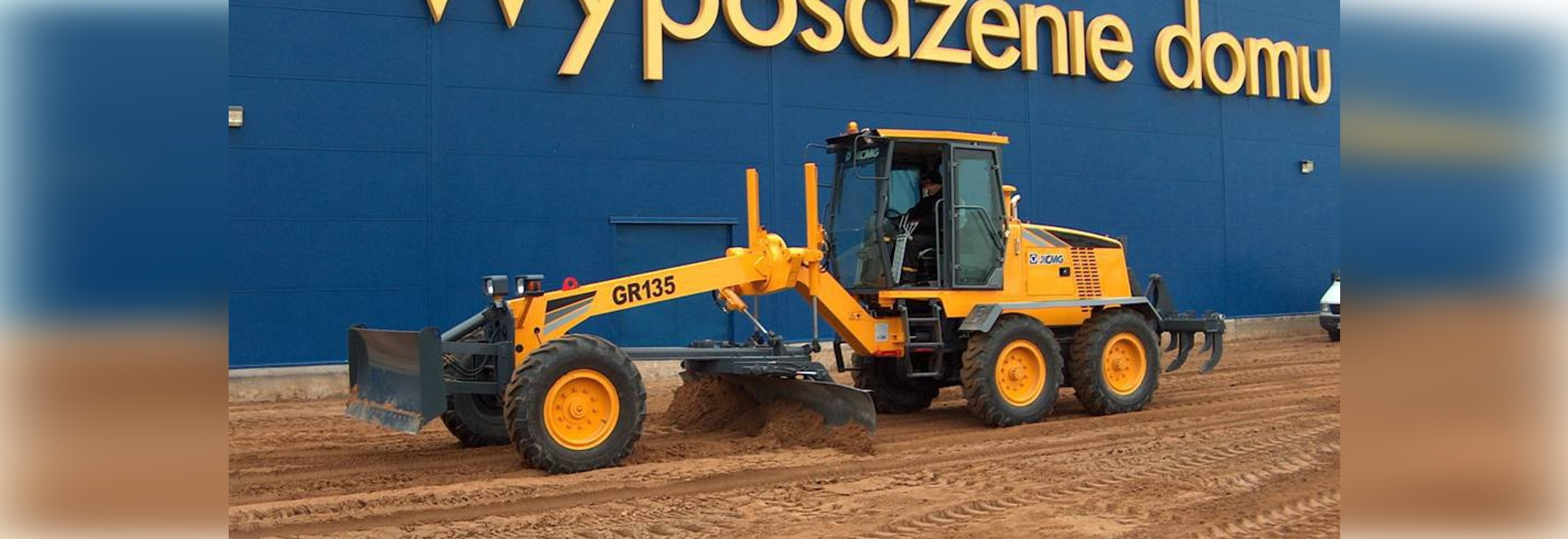 Construction of XCMG GR135 grader in Poland, Europe