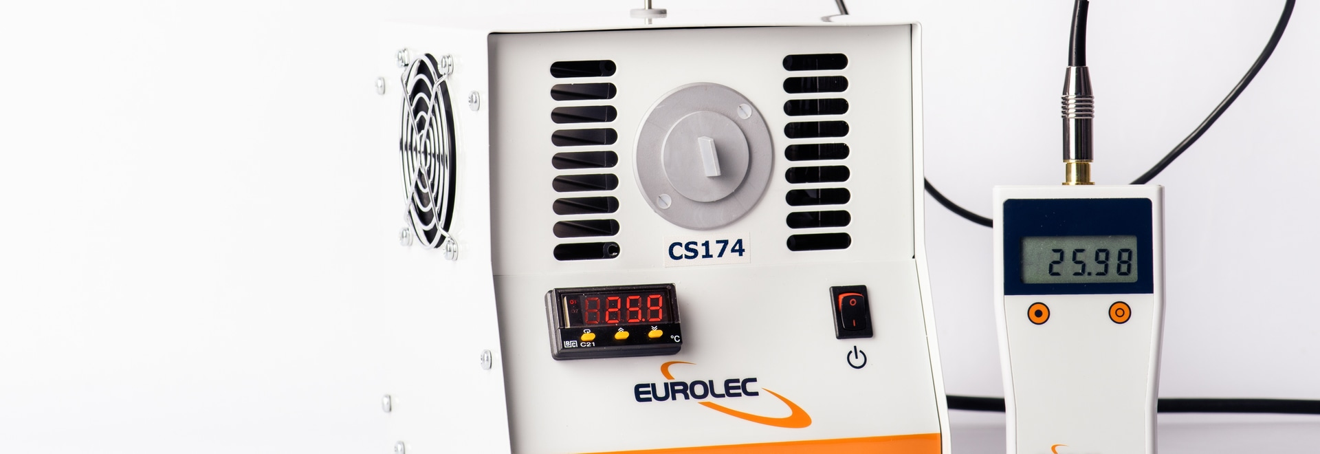 CS174 temperature calibration source with PC Temp RT2 reference thermometer
