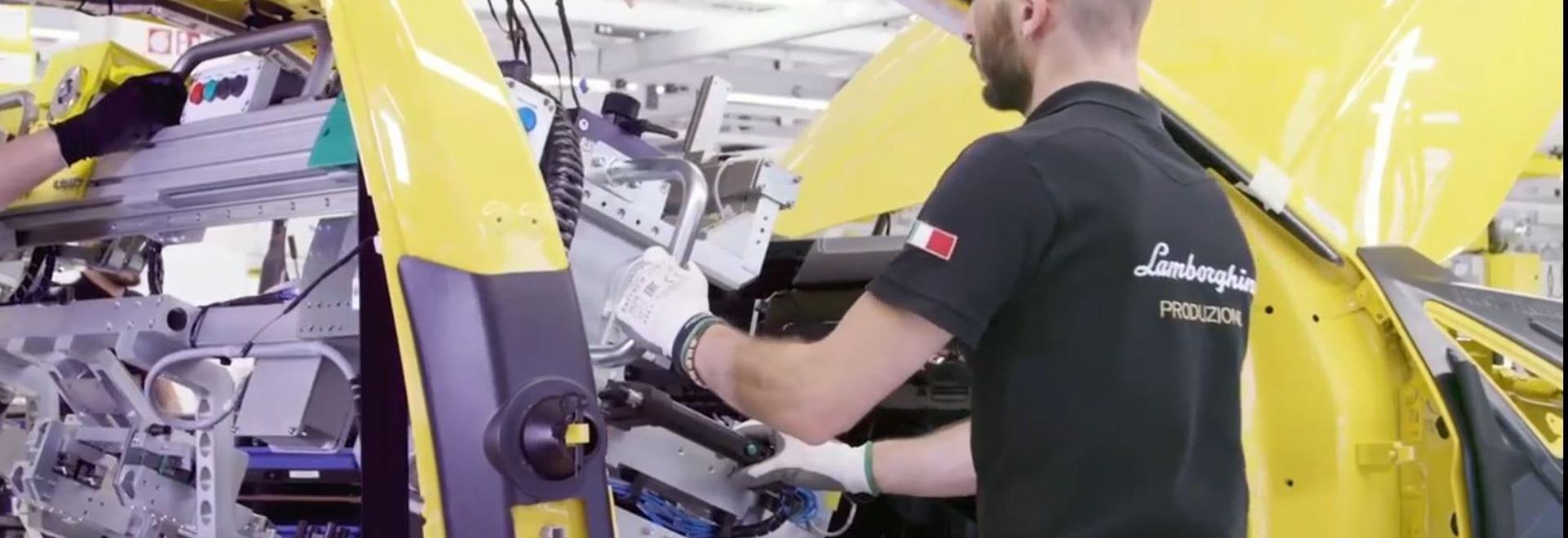 Lamborghini's URUS assembly line uses INDEVA® industrial manipulators