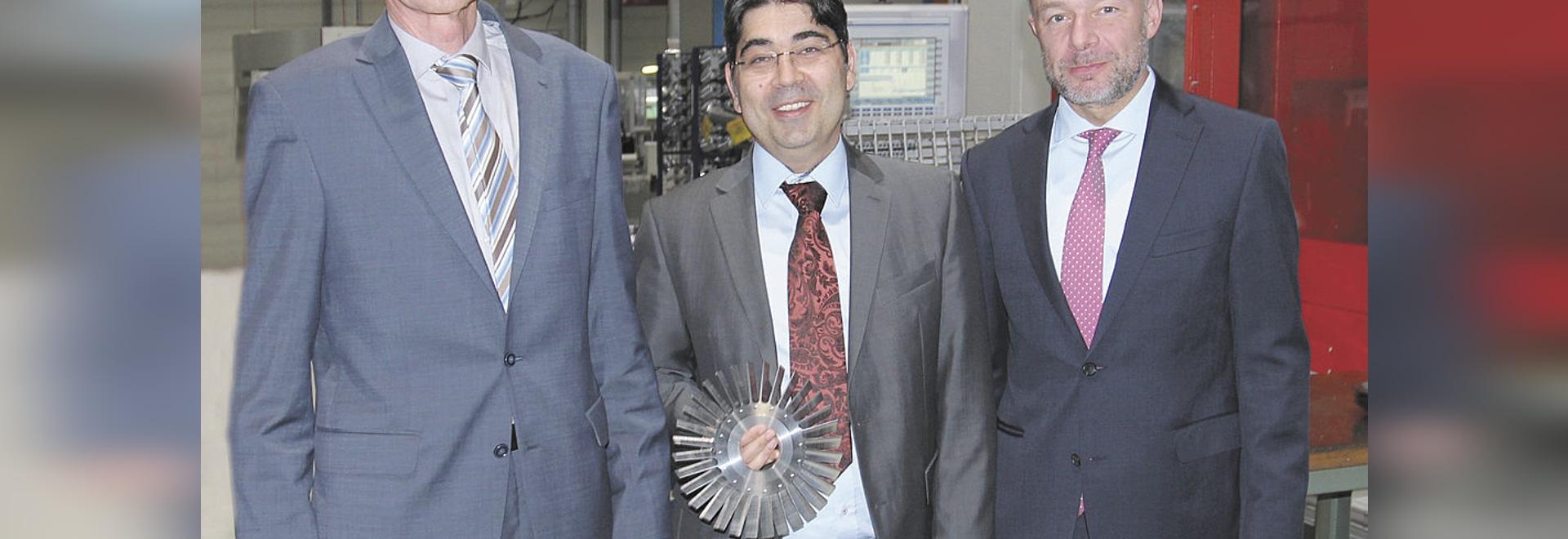 Pfeiffer Vacuum welcomes 2015 Röntgen Prize Winner