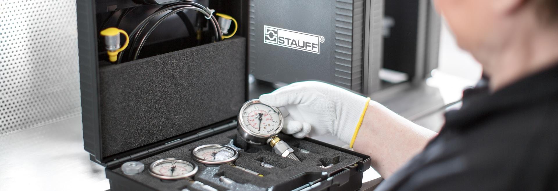 Pressure test box