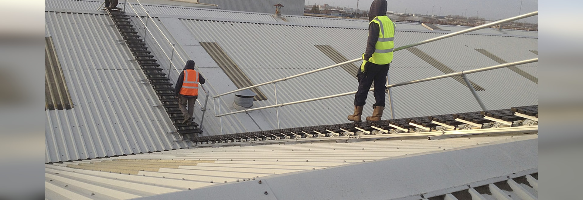 Roof top safety solution for a manufacturing plant