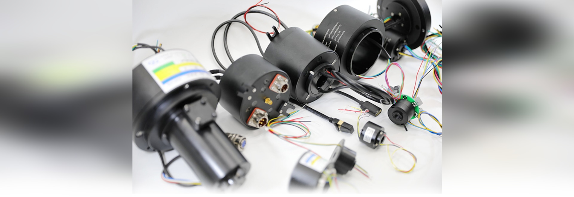 Slip ring assemblies for radar antennas