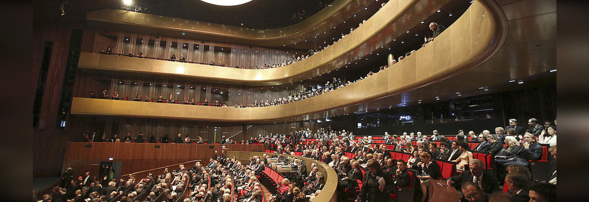 Sound insulation and vibration isolation in the music theatre in Linz, Austria