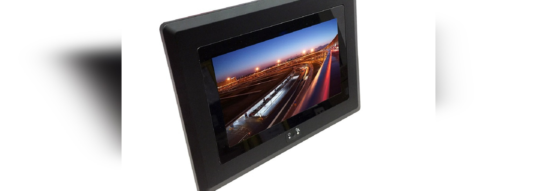 "SUPER-7"" 1024 x 600 /Wide Range DC-IN, Bezel-free Panel PC"