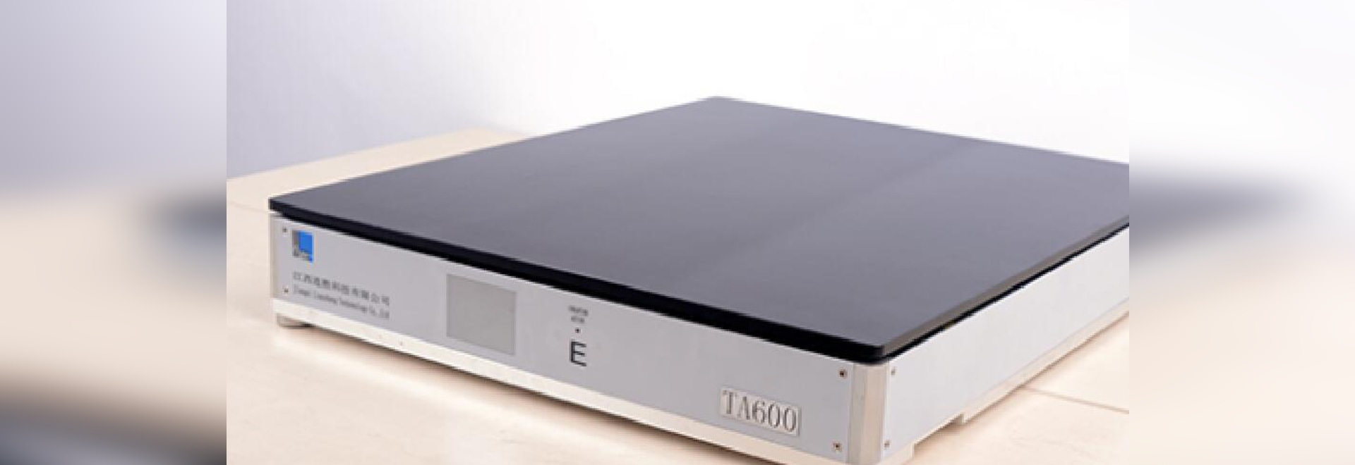 TA600 Active Vibration Isolating Optical Table