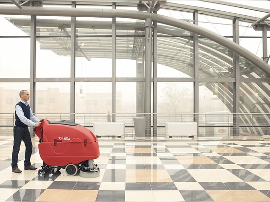Mega II scrubber drier for big areas