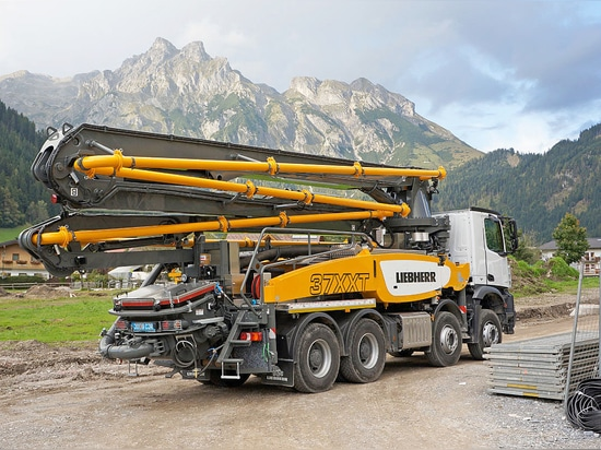 Liebherr-Truck mounted concrete pump 37Z4 XXT with innovative support