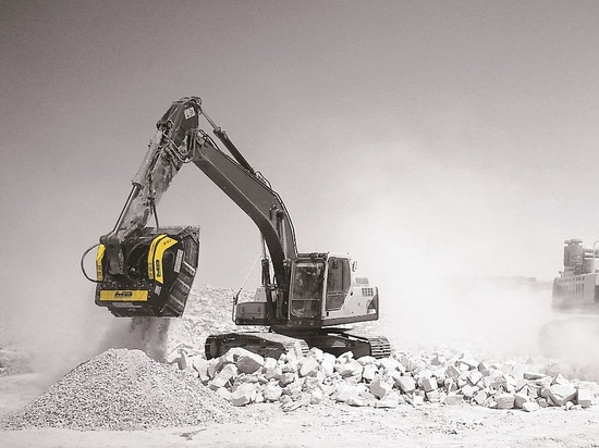 THE MB FAMILY EXPANDS IN 2015,  WITH THE ADDITION OF TWO NEW BUCKET CRUSHERS