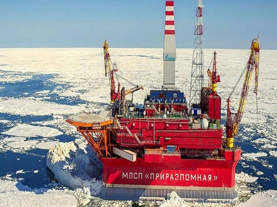 On the World's First Ice-Proof Oil Rig