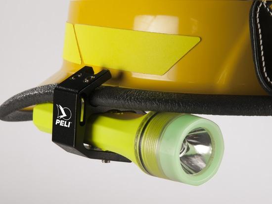 New! Peli 3325Z0, the Multi-Talented Torch