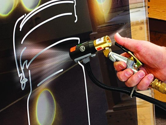 Air Gun Removes Dust, Static Electricity from Parts