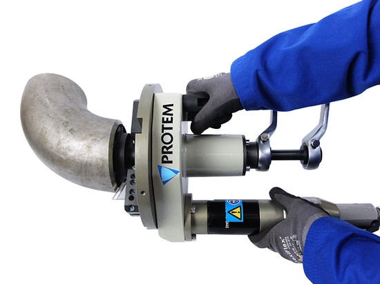 Concentric Clamping Device for Elbows