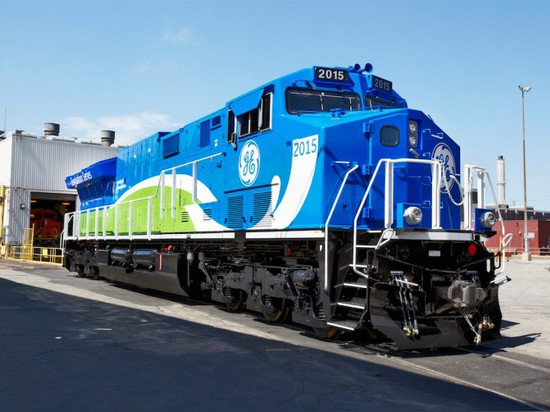 GE TESTING TRAIN ENGINES THAT POLLUTE LESS
