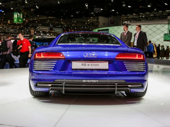 SERIOUSLY SLEEK ELECTRIC SUPERCAR BY AUDI