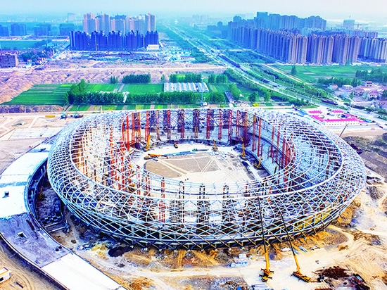 XCMG XCT80, QY90KA Xuzhou Olympic Sports Center Construction