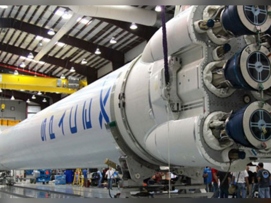 SPACE X TO LAUNCH HEAVIEST ROCK SINCE SATURN V