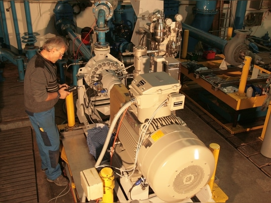 Egger Offshore Pump on Test Bed in Factory, Switzerland