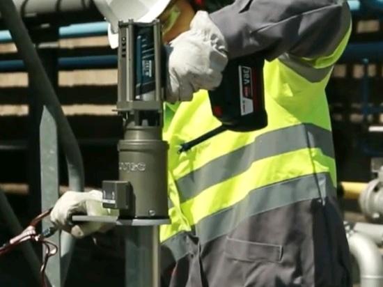 Portable valve actuators