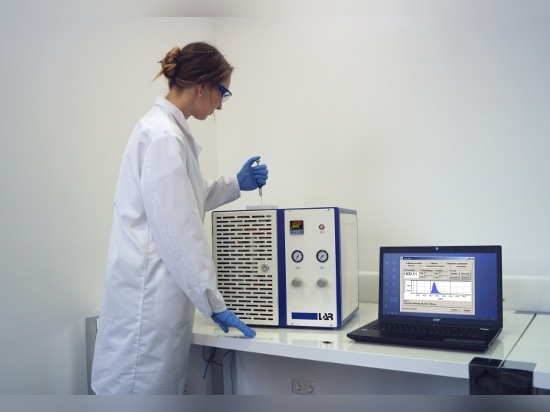 Laboratory COD analyzer in use