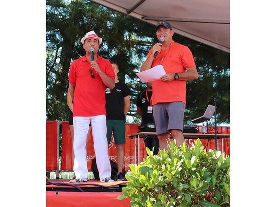 Dr. Eric Taberlet (left), CEO of Pfeiffer Vacuum Technology AG, was this year's patron of the Corporate Games in Annecy
