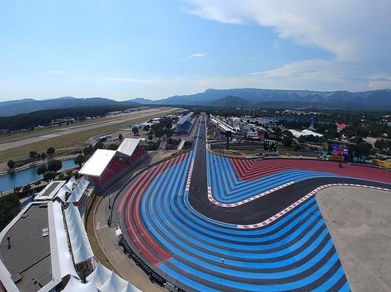 View from Genie® Z® -135/70 on Grand Prix Circuit
