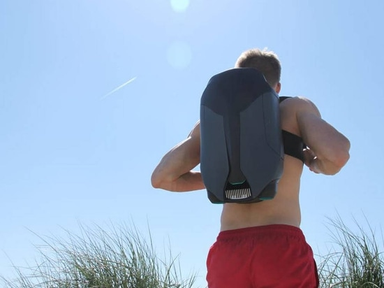CUDA, world's first 3D printed underwater jetpack can propel users up to 8 miles per hour